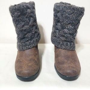 Women's - Muk Luks boots